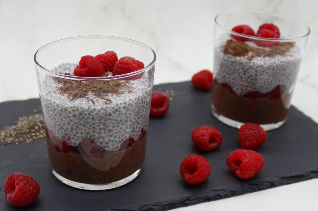 Vegan raspberry-chocolate chia pudding