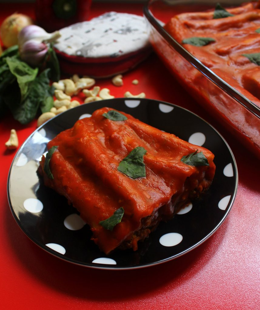 Easy vegan cannelloni with roasted bell peppers