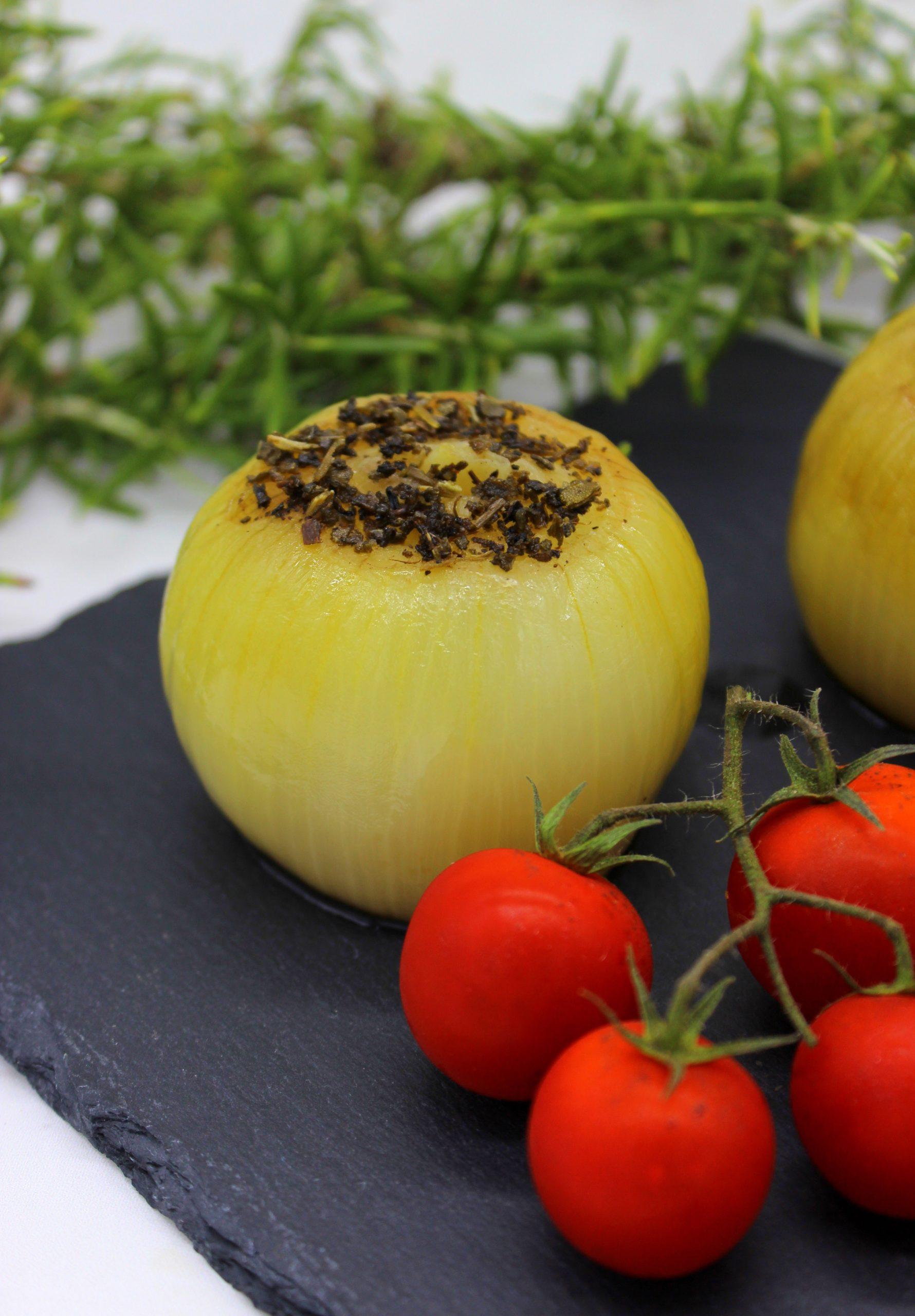 Juicy sweet roasted onions