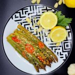 Asparagus with garlic and almonds